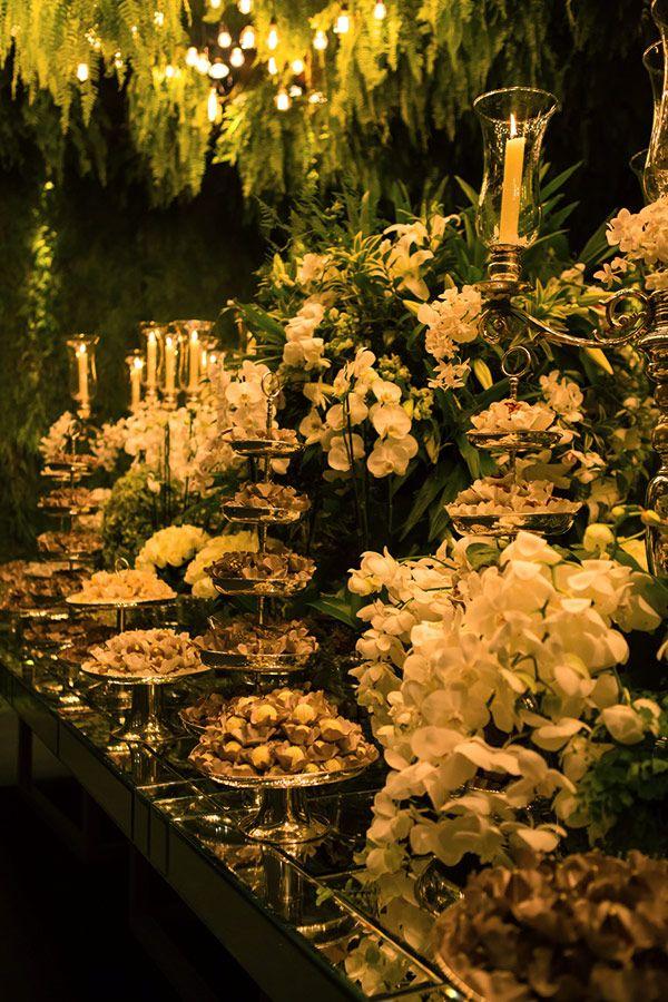 Decoração de casamento contemporânea com luzinhas - Constance Zahn