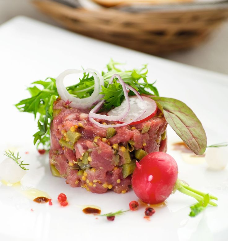 Steak Tartare with Croutons