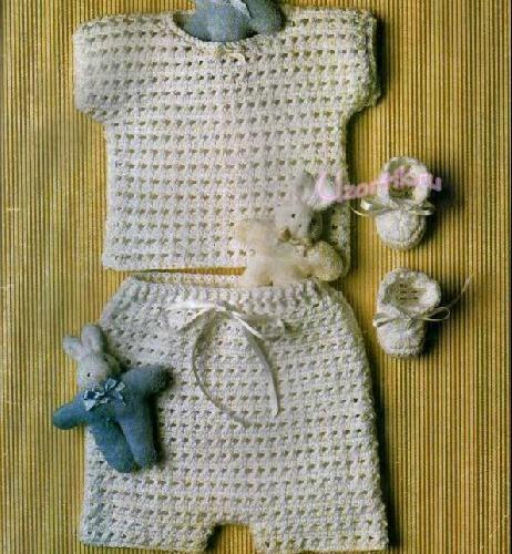 Кофточка и шорты для новорожденного