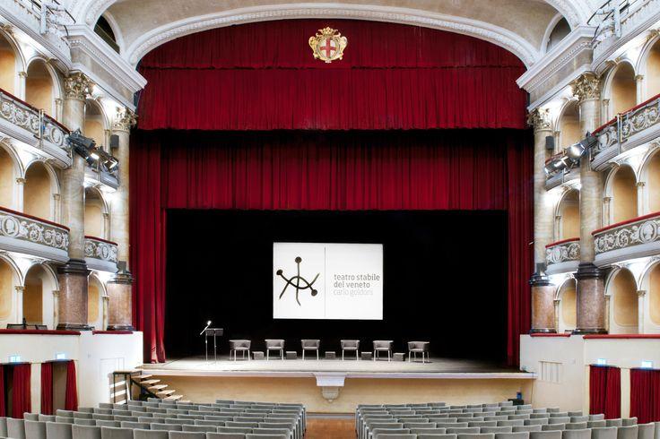 Teatro Comunale Verdi nel Padova, Veneto  http://www.teatrostabileveneto.it/padova/
