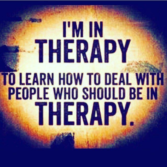 本来、セラピーに通うべき人のために私はセラピーを受けている。