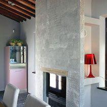 parete con camino, decorazione a effetto tessuto in cemento e resina, Montepulciano