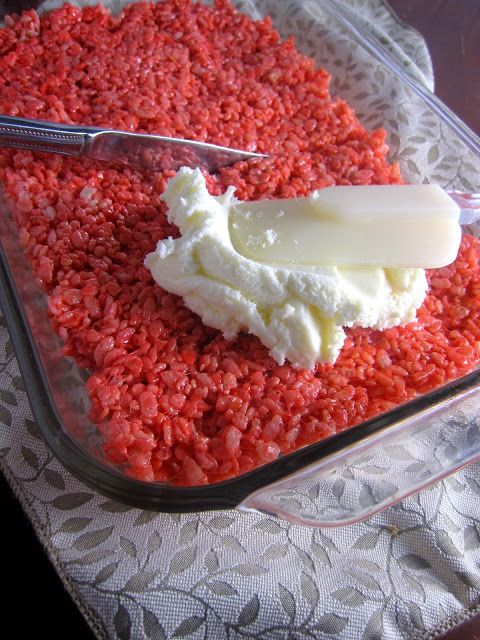 Red and White Rice Krispies Treats with Buttercream Icing. No bake, and a perfect dessert for Canada Day!