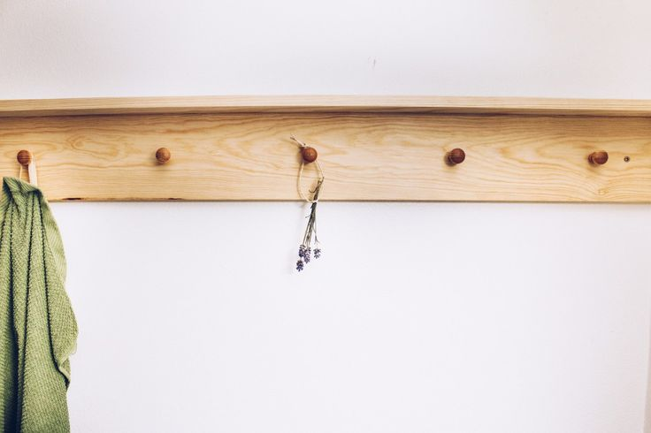 Trähylla badrum DIY - reaktionista.se