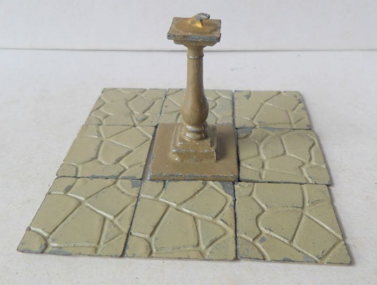 VINTAGE BRITAINS PAINTED LEAD PRE-WAR GARDEN SUNDIAL AND CRAZY PAVING | eBay