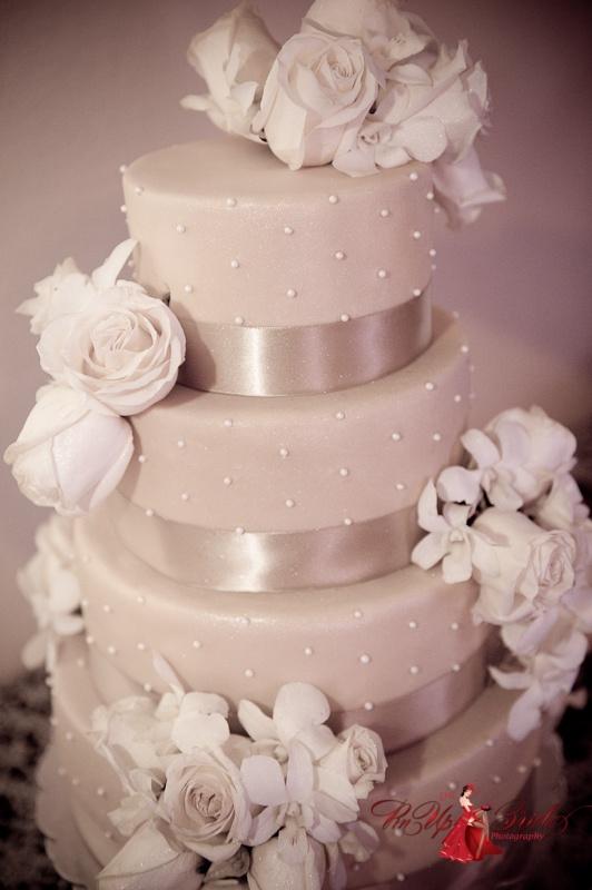 Cake by It's a Piece of CakeCake Wedding, Cake Ideas, Wedding Cakes, Cake De, Eating Cake, Cake Http Www Lunacatstudio Fr, Local Cake