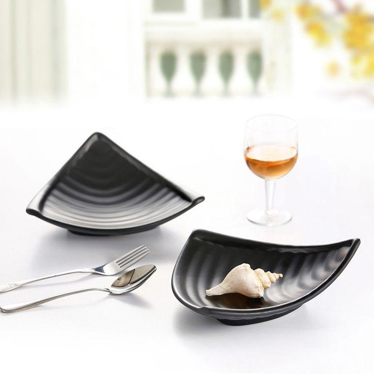 High quality speical design irregular shape  plastic dinner plate  black seafood dish wholesale for restaurant suppliers