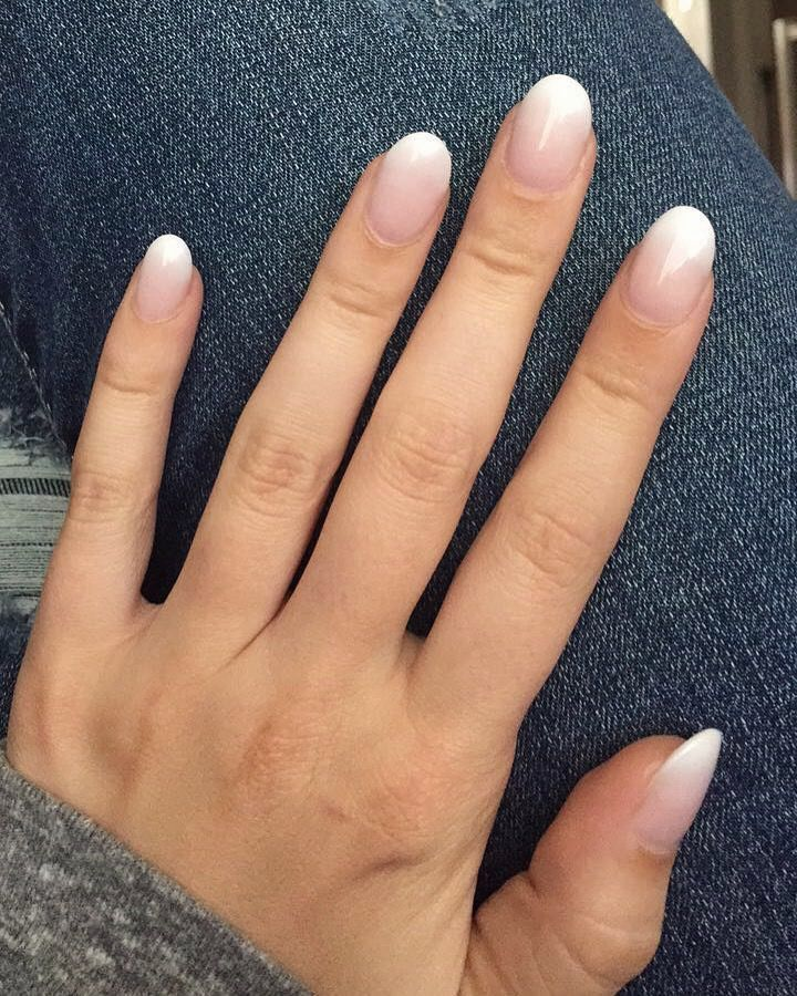 Ombré nails French Manicure mit weißer Spitze – Nails