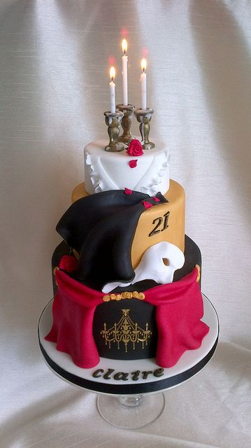Phantom of the Opera Cake, holy crap lol I would break into song if someone got this for me!!!