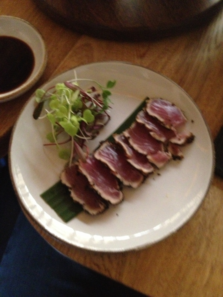 Tataki de Atún en Mundo Wok. ¡Delicioso!