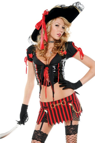 sultry swashbuckler pirate costume - Halloween Pirate Costume Ideas