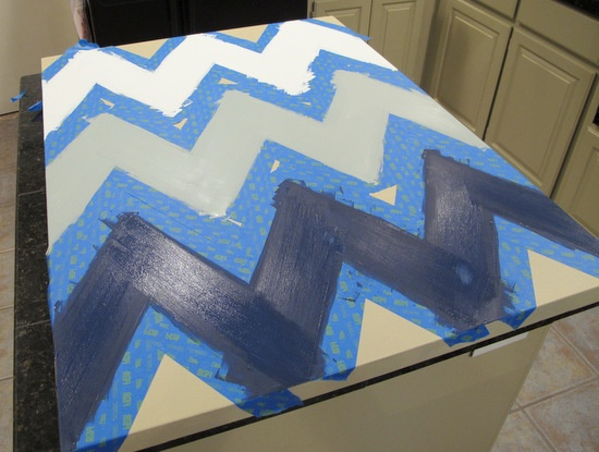 Free printable large chevron stencil for painting chevron wall art.