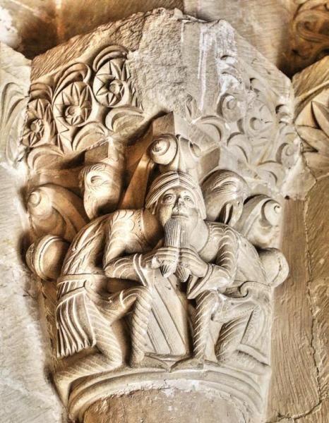Puerta de las Vírgenes, capitel románico - Claustro de Santo Domingo de Silos