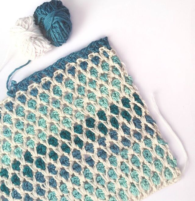 Moroccan Tile stitch - love the neutral against the blue. Maybe a baby blanket with two colors..