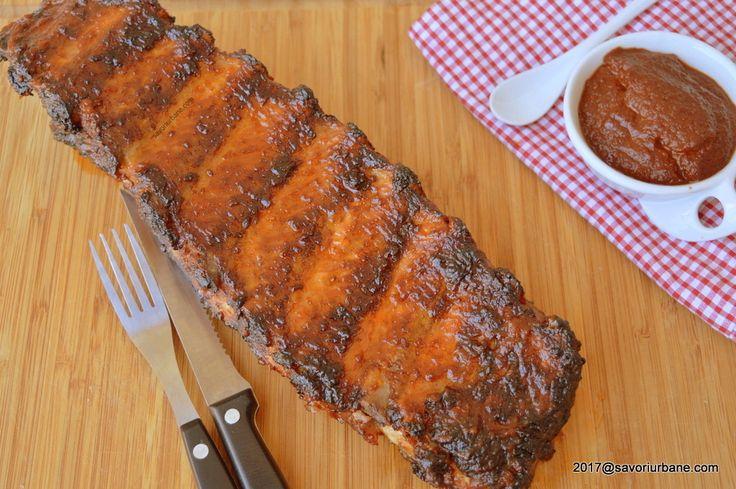 Scaricica de porc glazurata - la gratar sau cuptor. Coaste de porc suculente si aromate, glazurate cu sos cu ghimbir, turmeric si mar. O reteta de scaricica