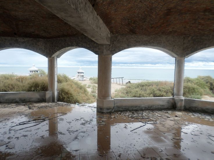 The ruined resort, in Puerto Penasco Mexico:  Scribbles In the Sand........... My Desert Diary: October 2014