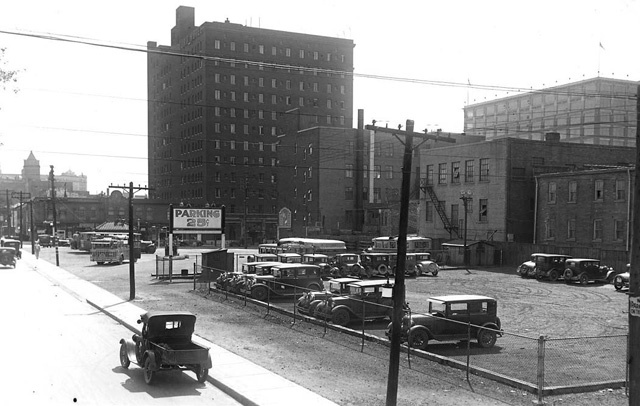 The Ford Hotel is in the background of this shot of the Gray Coach Lines Terminal property at Edward and Elizabeth Streets, June 10, 1931.