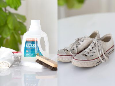 How to Wash Sneakers in a Washing Machine. When it's time to freshen up your favorite pair of sneakers, leave the elbow grease behind and give them a whirl in the washing machine. It's one of the most effective ways to remove stubborn stains and it requires very little effort. Keep in mind, though, that **this method should be performed...