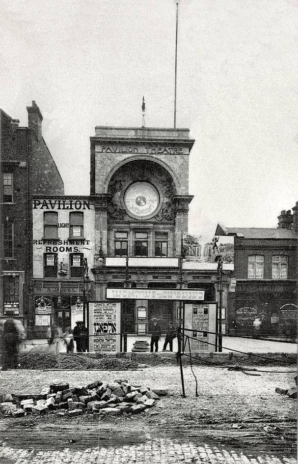Whitechapel Road, 1900