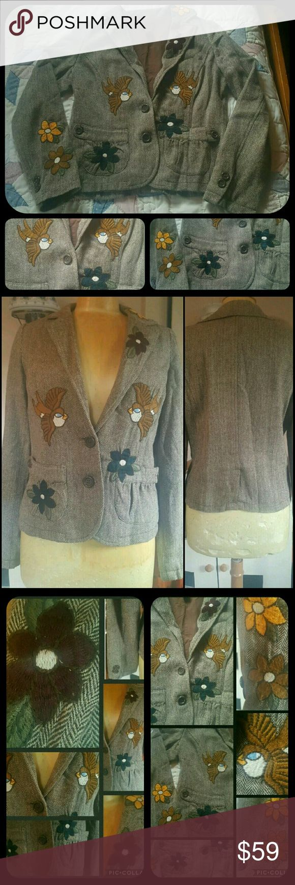 Shabby Chic EMBROIDERED rumpled Vtg Insp Jacket soo sahweet! Brand O&G ORIGINAL &GLAMOUR If u like brand new perfect items  not best 4u.if u like clothing w/character, a bit of the wabi sabi, def vtg.insp grungy,rumpled old man Herringbone jacket, i only wore  few times, but does have some fuzzing & pilling, but adds 2.overall SHABBY CHIC look! A few pulls & embroidery is a little fuzzy & pulled  but overall EXQUISITE! this reminds me of Joystick jackets,but i paid a ton more for those!! FAR…
