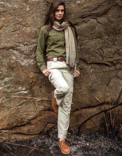 Ladies safari clothes: stylish & practical in Africa