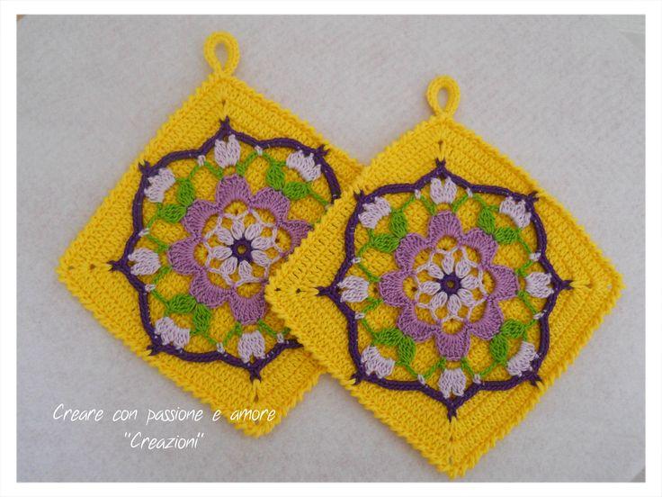 Presine mandala ad uncinetto by www.facebook.com/... #crochet #handmade #mandala #potholder #lemaddine