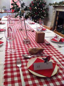 mesa de natal com toalha xadrez