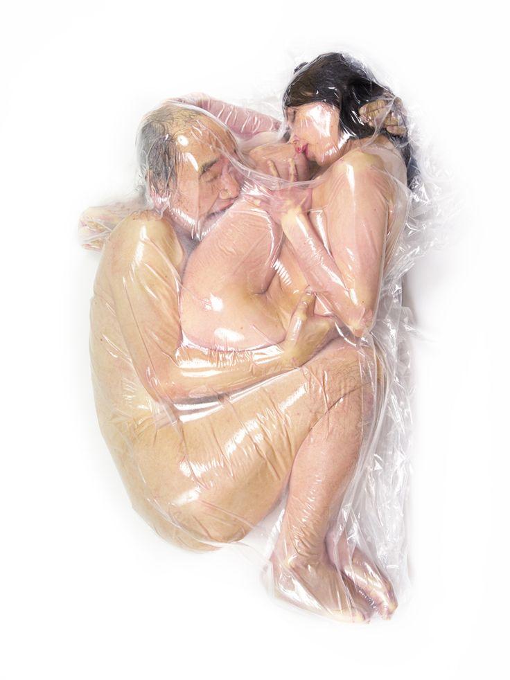 L'artista che mette le coppie sottovuoto | VICE | Italia
