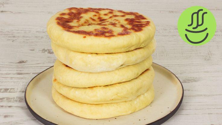 KOLAY Peynirli Bazlama - KAHVALTILIK Bazlama Tarifi - Tavada Ekmek Nasıl Yapılır? - YouTube