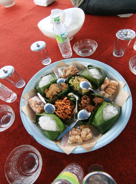 Traditional Minang cuisine served in makan bajamba's style. Photo by Indra Febriansyah.