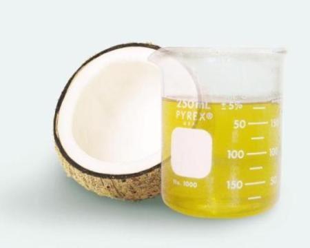 Sử dụng dầu dừa nguyên chất thay thế các loại dầu ăn khác sẽ giúp tăng sức đề kháng của cơ thể và phòng chống bệnh tật do chất béo bão hòa. LH: 0938377990