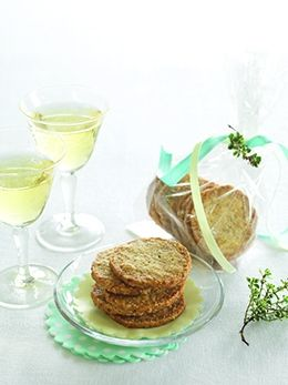 Oaty Blue Cheese & Thyme Biscuits