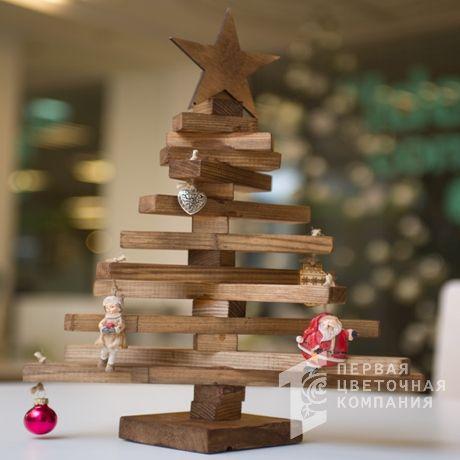 Новогодняя деревянная елочка с игрушками H=20 см