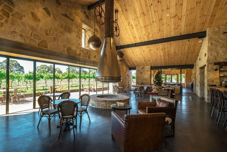 For a spontaneous wine-tasting experience or for wine-centred, casual dining, the bar area is designed around comfortable couches and intimate seating. There is also a picturesque courtyard situated at the vineyard's end.