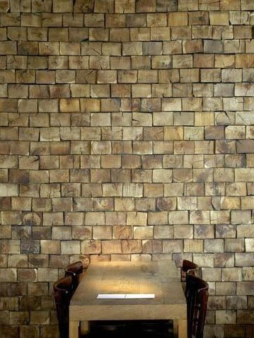 Wall made from reclaimed end-cut wood tiles