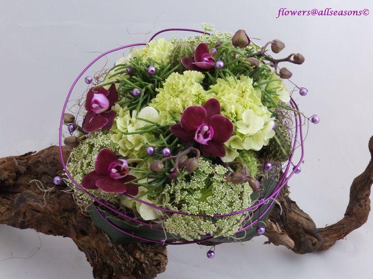 bruidsboeket met kleine orchidee