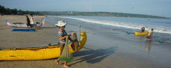 Fishermen on Jimbaran Bay by The Open House (@OpenHousebali) on Twitter