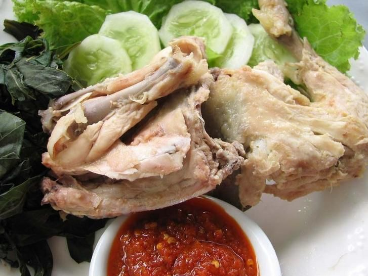 Resep Ayam Pop yang Gurih dan Enak Jika Anda pergi ke restoran Padang, salah satu ciri khas dari makanan Padang yang terkenal selain rendang adalah ayam pop. Terlebih lagi masakan ayam pop ini memiliki rasa yang khas dan biasanya sangat disenangi oleh anak-anak. Pasti mereka akan memakan nasi nya dengan…