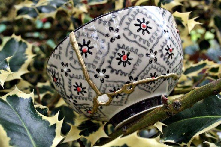 TAZON KINTSUGI, cuenco Kintsugi porcelana oriental. Kintsukuroi roto y reparado. de KanelaSuri en Etsy