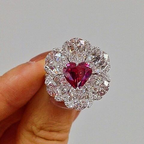 Moussaieff Jewellers the Diamond weighing 2.09 carats. SOLD at Christie's Hongkong 2014 for a world record price for at an auction for any red diamond. @moussaieffjewellers