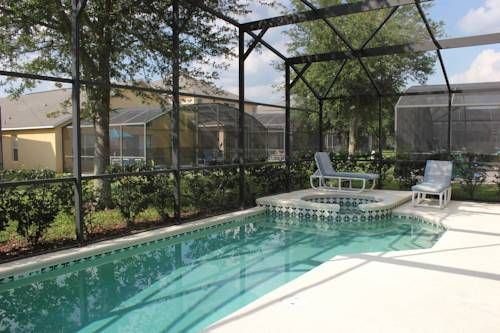 The Haven Emerald Island Kissimmee (Florida) Set 15 km from Green Meadows Petting Farm in Kissimmee, this air-conditioned holiday home features an outdoor pool. You can fire up the barbecue for a tasty meal and enjoy the garden in fair weather. Free WiFi is offered throughout the property.