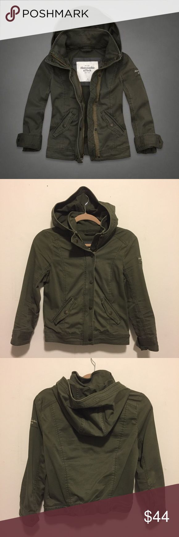 🌲 Abercrombie olive hooded military jacket 🌲 Abercrombie & Fitch hooded military jacket, size L but fits like a S/M. Oliver green color. Snap and zipper closure with snap cuffs and front pockets. Like new condition. Abercrombie & Fitch Jackets & Coats