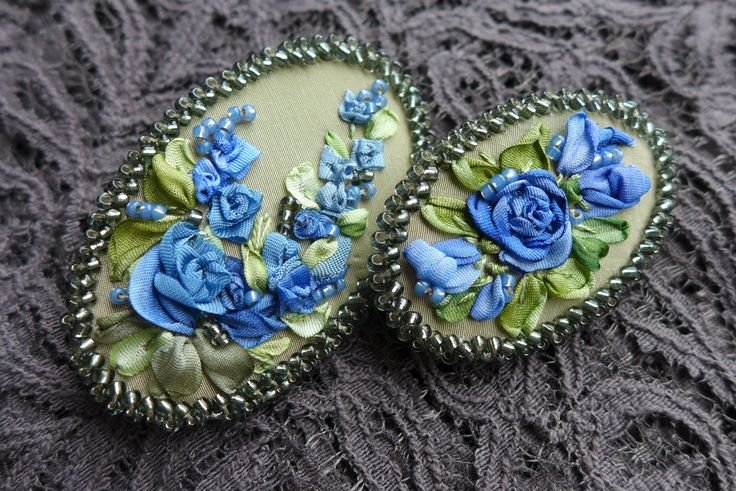 Brooches with silk ribbon embroidery for Mom and daughter.