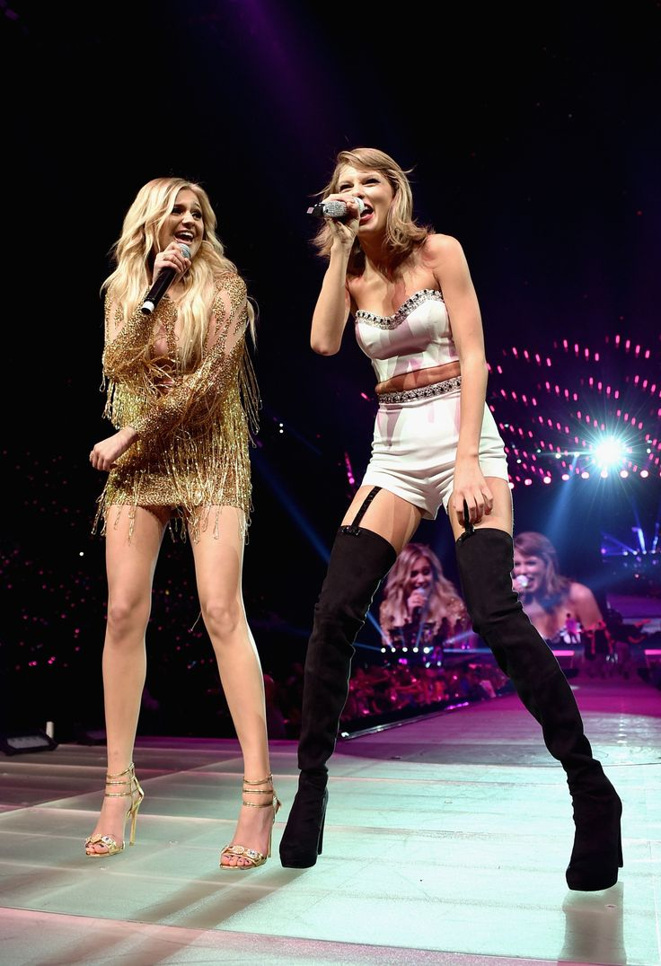 "Taylor and special guest Kelsea Ballerini performed ""Love Me Like You Mean It"" during the 1989 World Tour in Nashville night one! 9.25.15"
