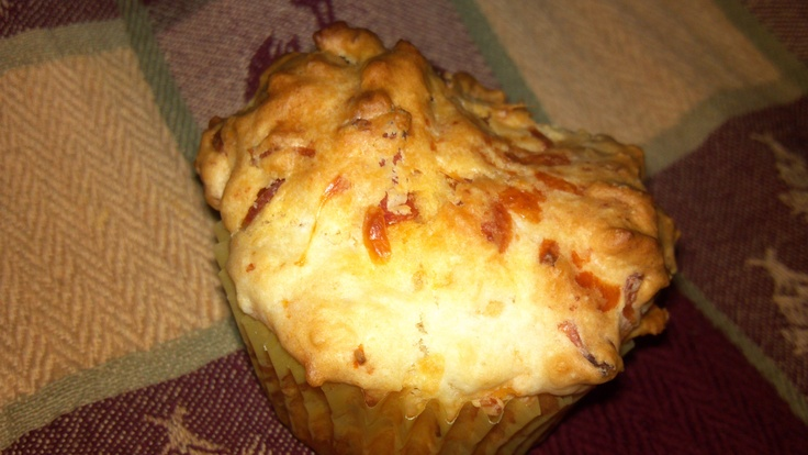 Pizza Mufflins. bisquick with milk, add chopped pepperoni, mozzerella and sharp cheddar cheeses, place in muffin tin. Bake at 450 for 20 minutes. Dip in pizza sauce. Family loved them and they were super easy!