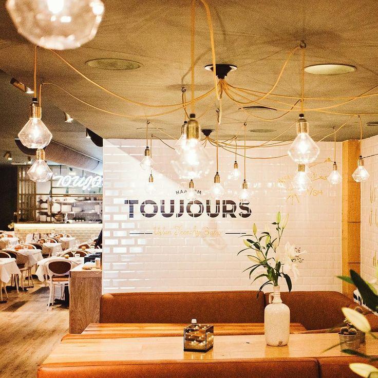 Restaurant @toujourshaarlem is compleet vernieuwd! Nu een urban french bistro met nieuw interieur en nieuwe kaart. De blog met meer foto's staat online > haarlemcityblog.nl   link in de bio #haarlemcityblog #haarlem #food #restaurant #diner #french #fish #meat #oudegroenmarkt