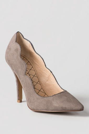 Chinese Laundry Shoes, Savvy Scallop Pump