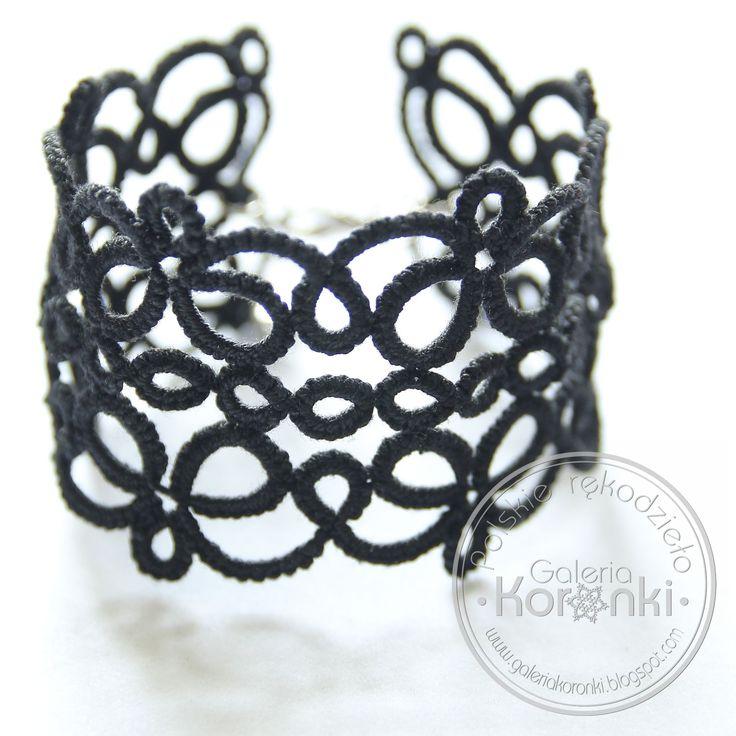 Szeroka bransoletka frywolitkowa w stylu gotyckim