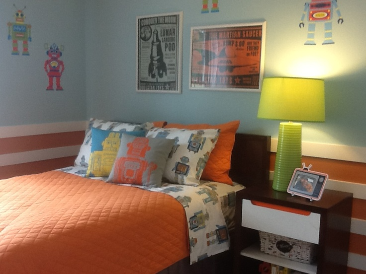 Robot themed boys room barry andrews homes llc colony for Robot bedroom