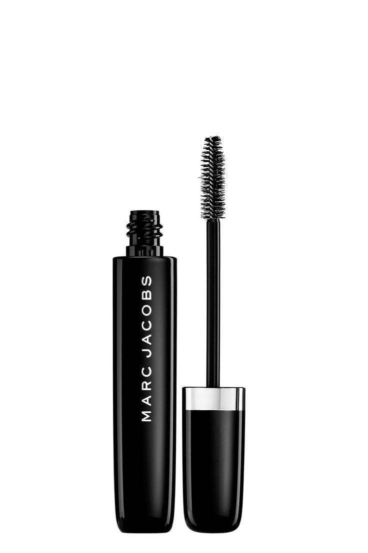 The Marc Jacobs O!Mega Last Volumizing Mascara features a full-body formula and dual brush design that work together to lengthen, curl, define and volumize lashes.